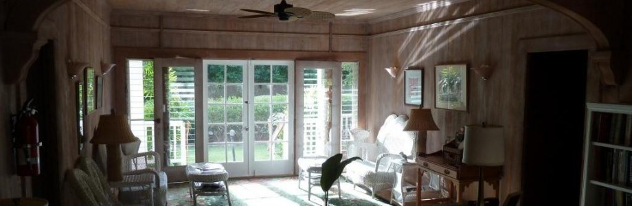 The great room at the Kauai Beach Inn provides a comfortable place to read or just hang out